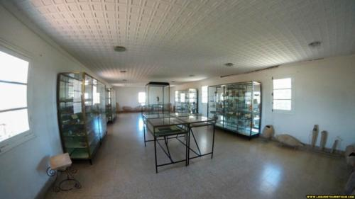 Salle d'exposition du musée d'Hippone